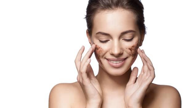 Beneficios de exfoliar tu piel